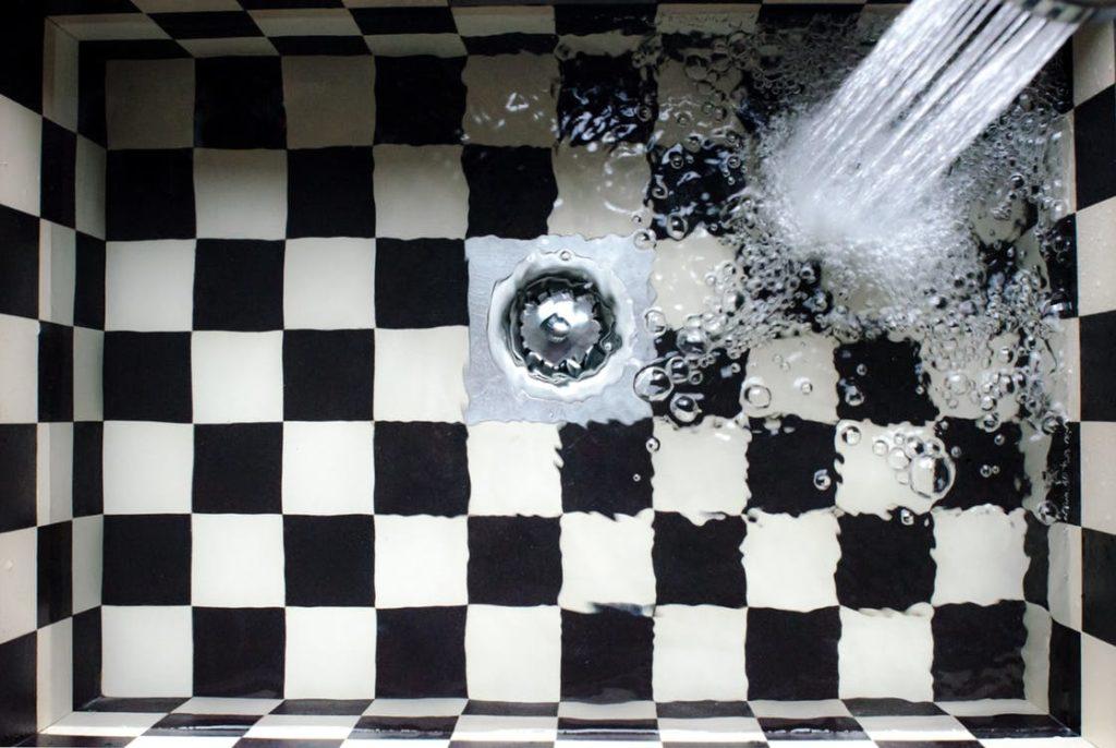 7 causas más frecuentes de atascos en tuberías