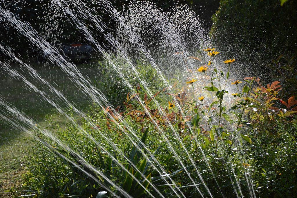 Los diferentes tipos de riego para jardines